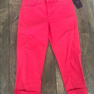 Not your daughters Slimming Cropped NWT SIZE 0-